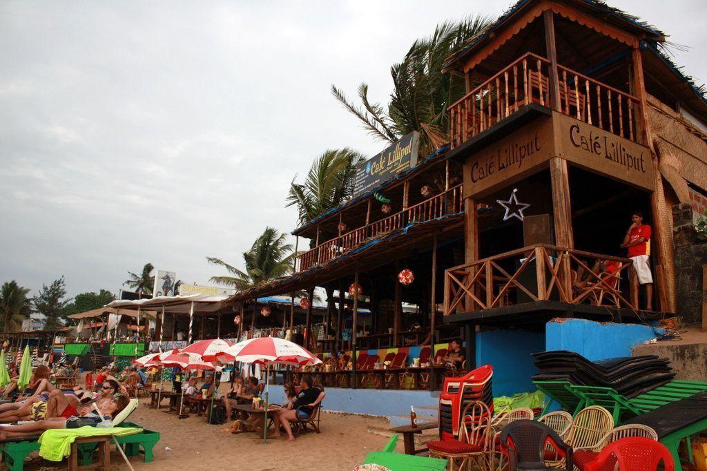 кафе на пляжі
