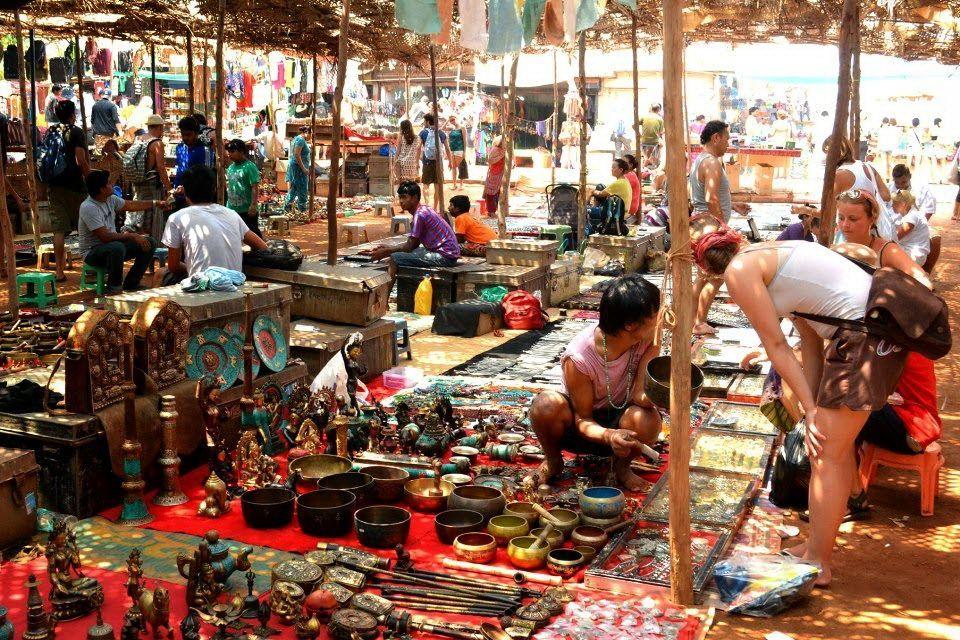 ринок в Анджуні