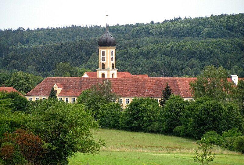 Старий монастир цистеріанський