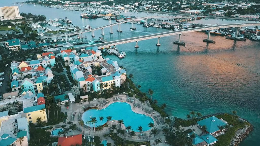 столиця багамських островів