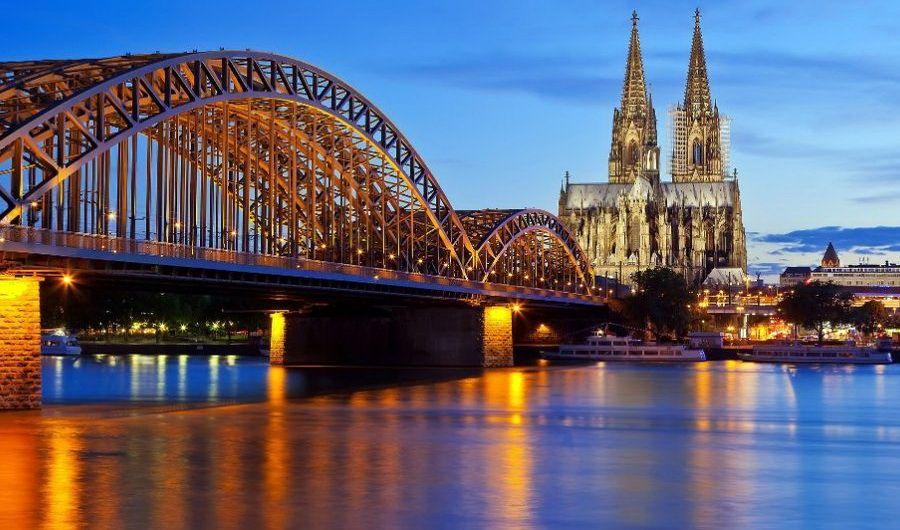 Кельн - вид на Рейн