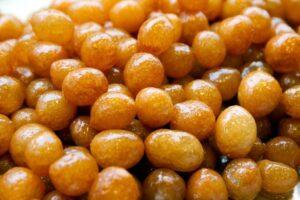 Локма - солодкі кульки з тіста