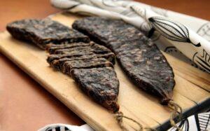 Суджук – турецька ковбаса з салом