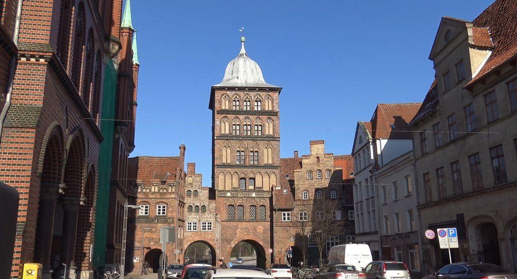 Замкові ворота і Burgkloster