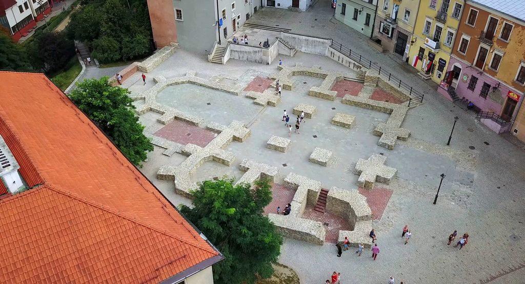 Стара церковна площа