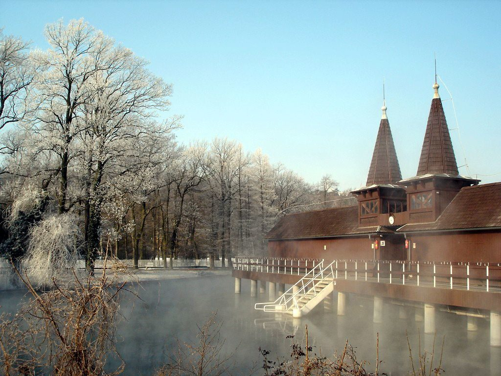 угорщина басейни