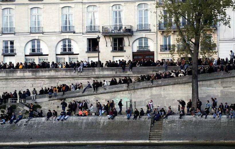 Тисячі людей вийшли на вулиці