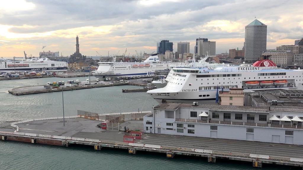 Порт Генуї
