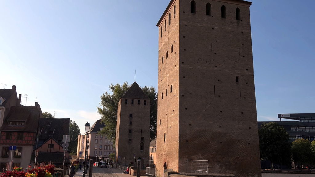 середньовічні вежі