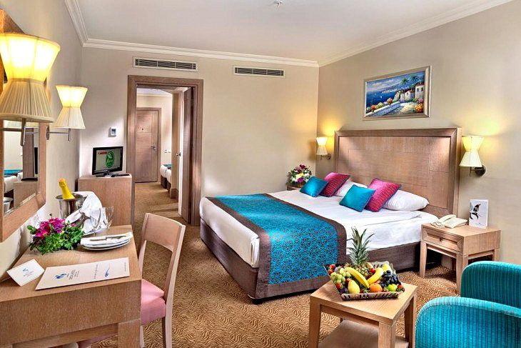 Номер в готелі Crystal De Luxe Resort & Spa