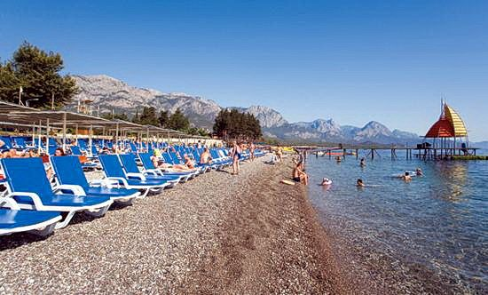 Пляж готелю Crystal De Luxe Resort & Spa