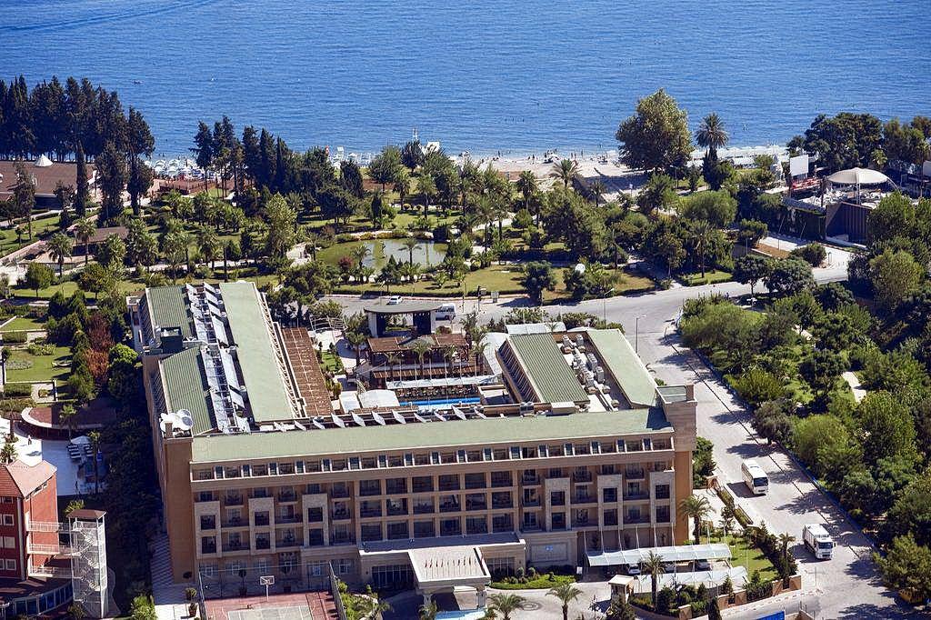 Готель Crystal De Luxe Resort & Spa