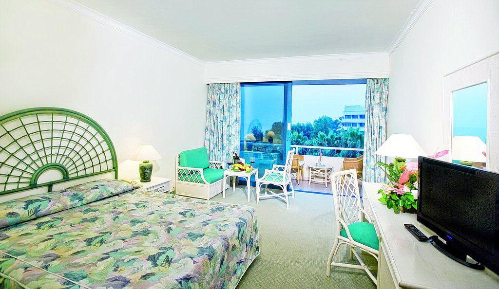 Номер Mirage Park Resort