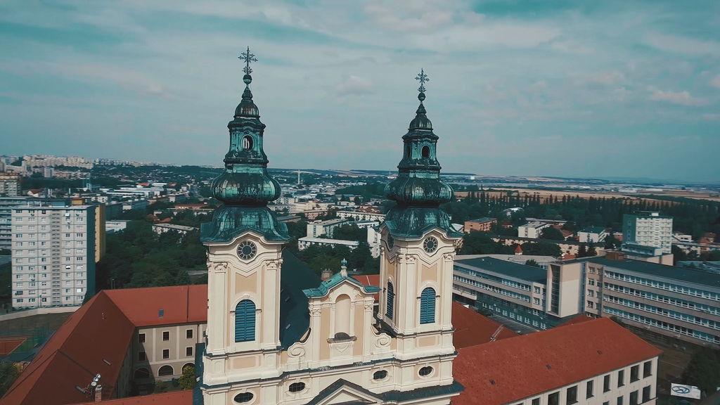 церква апостолів Петра і Павла
