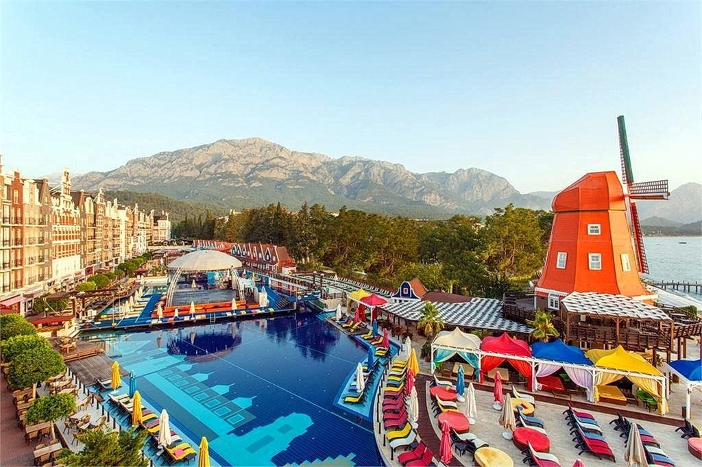Готель Orange County Resort Hotel