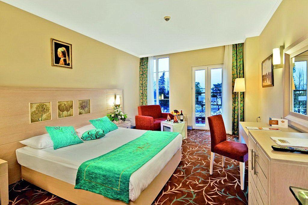 Номер в готелі Orange County Resort Hotel