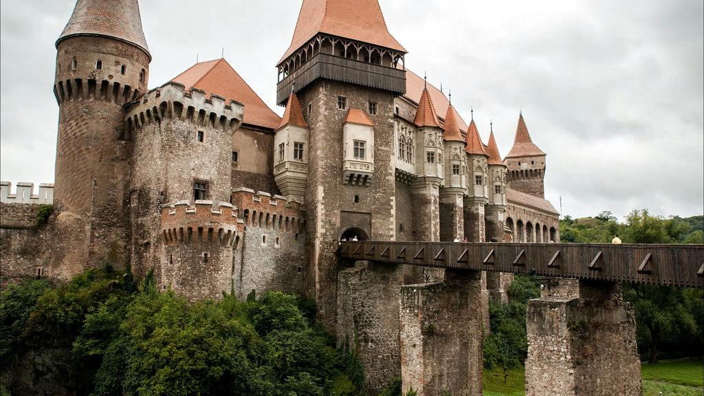замок Корвін