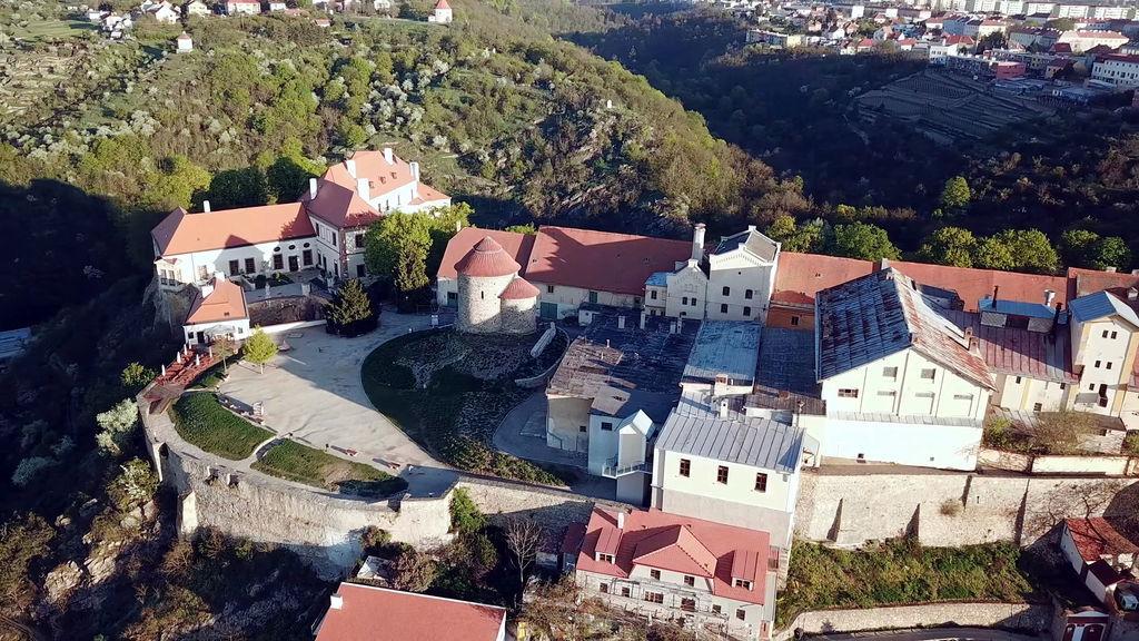 Замок в Зноймо