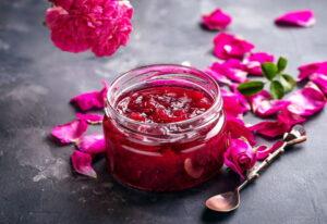 Варення з пелюсток троянд