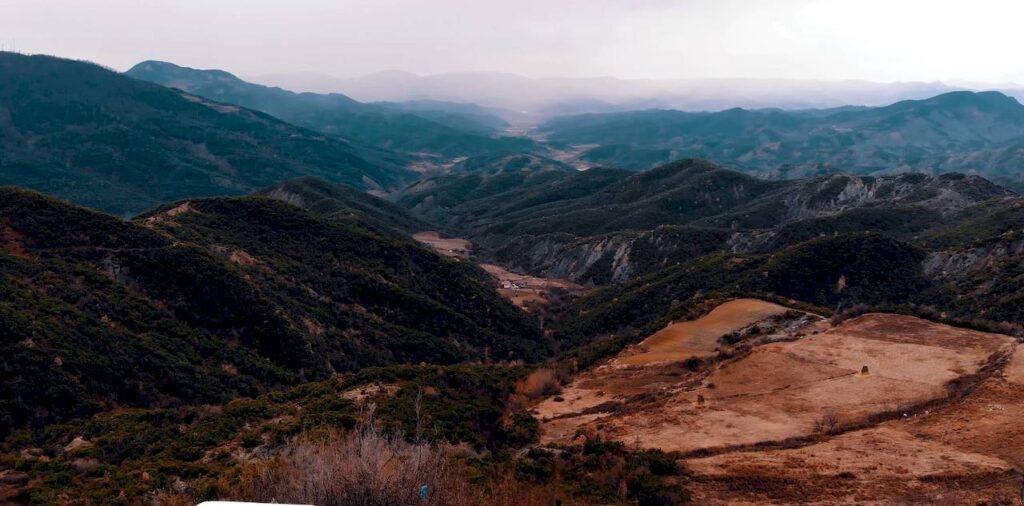 Гірські пейзажі Албанії
