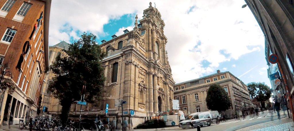 Церква Св Михайла