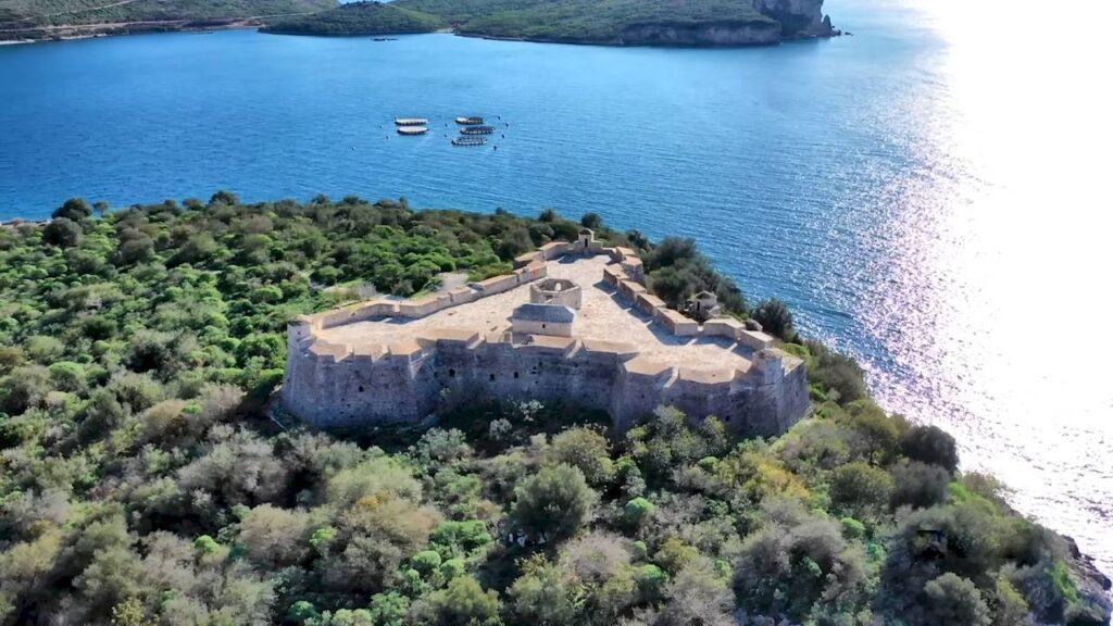 Замок Порто Палермо