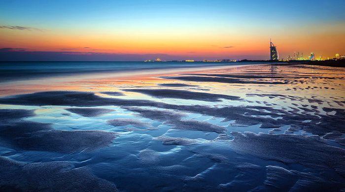 Море Дубаї вночі
