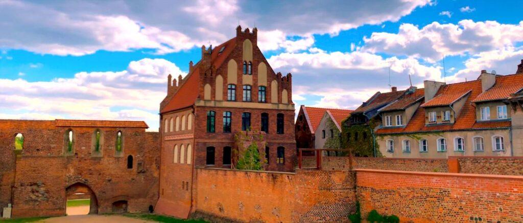 Старовинні історичні будівлі