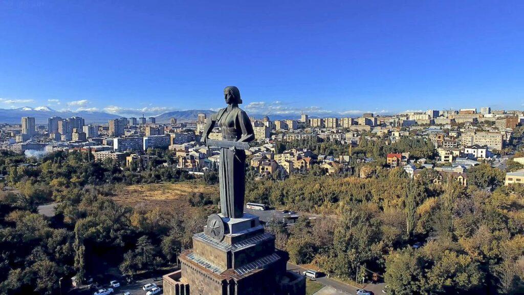 Мати Вірменія