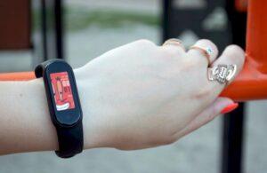 Огляд фітнес-браслета Xiaomi Mi Band 5