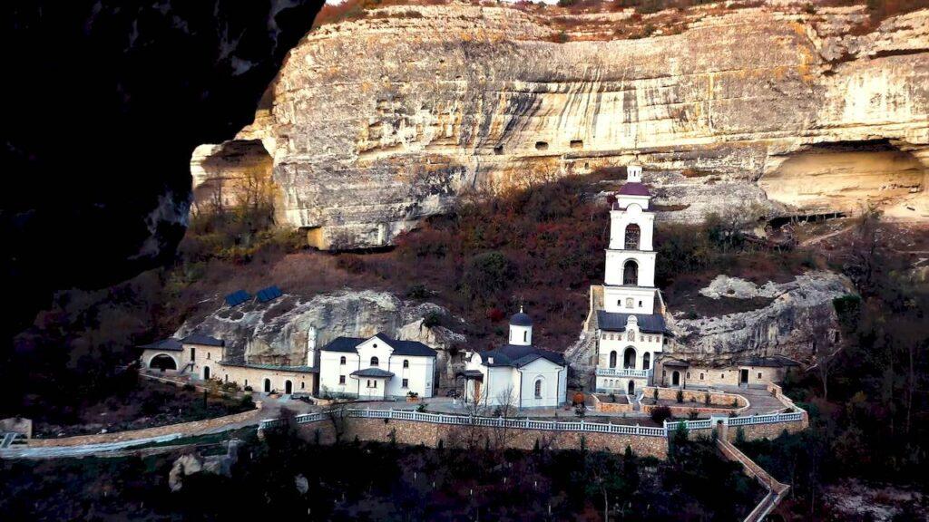 Успенський Анастасіївський монастир