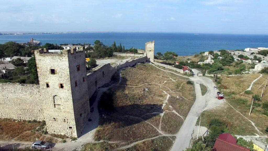 Феодосія. Генуезька фортеця