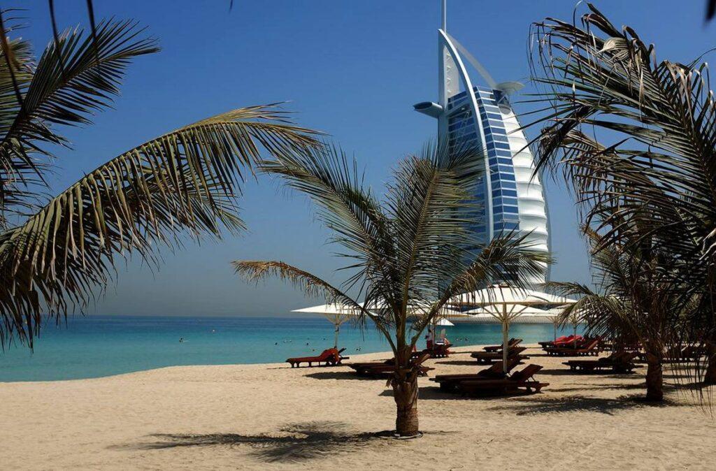 Пляж в ОАЕ