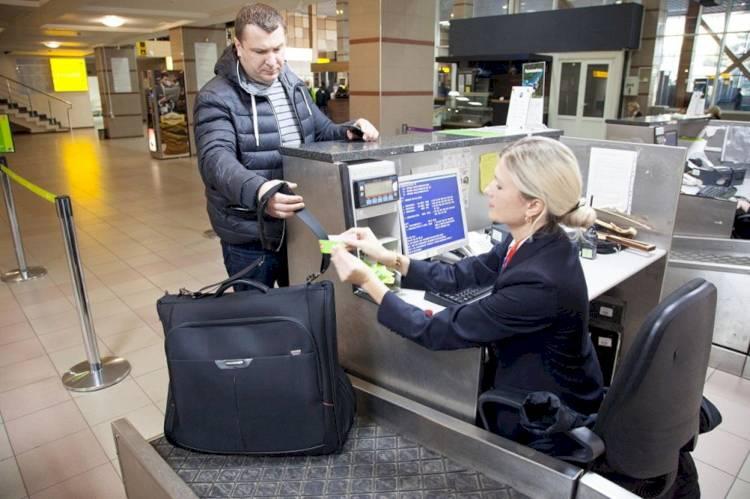 здача багажу на стійці реєстрації